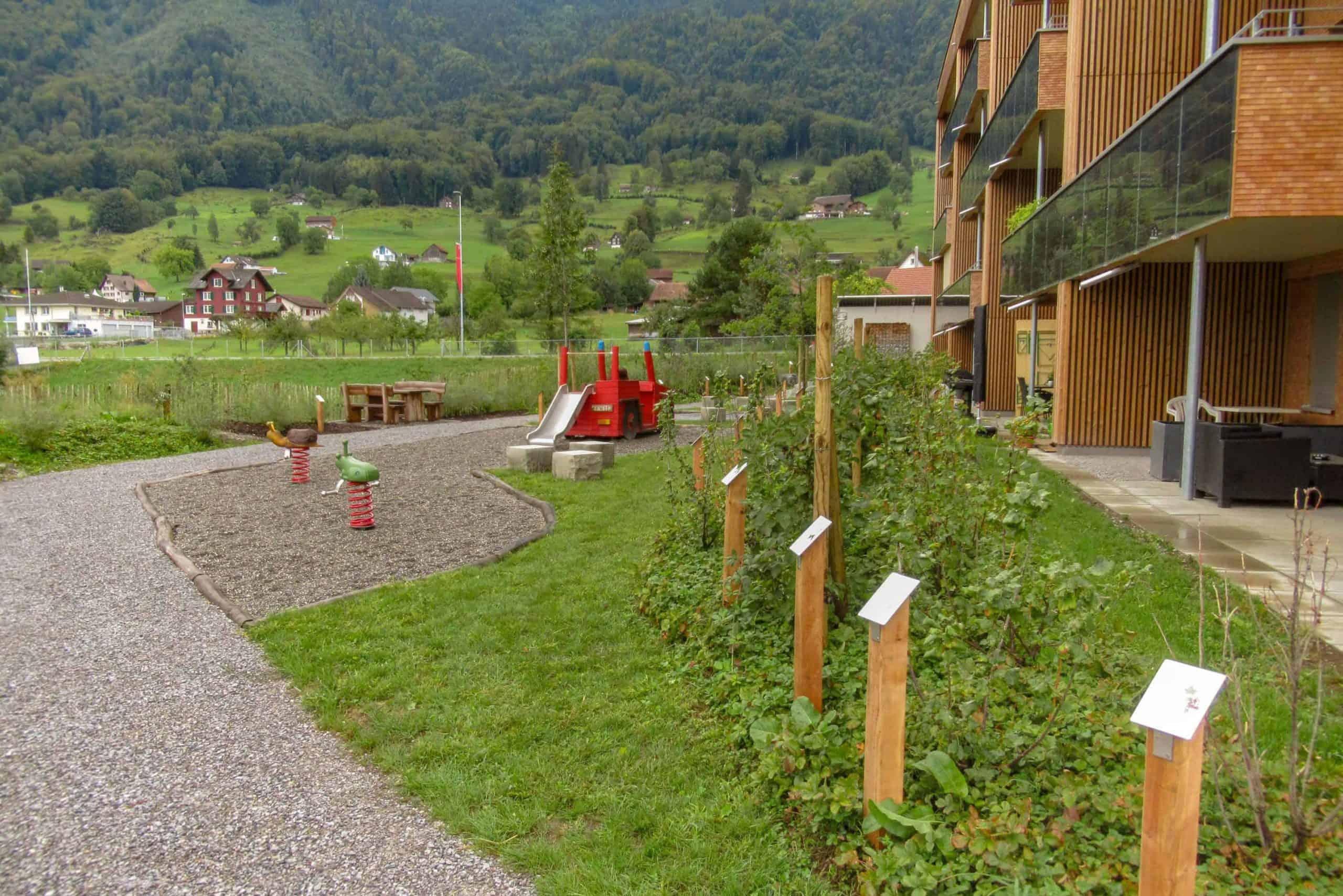 Umgebungsgestaltung Solarhäuser Reichenburg 7