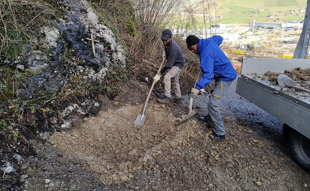Amphibienförderung mit Stahlwannen in Schwyz 4